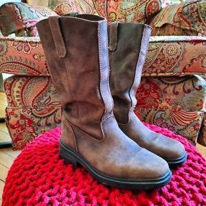 Blundstone Chisel Toe Tall Boots